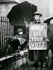 Historic Photos of Women Voting Throughout the Years (1)